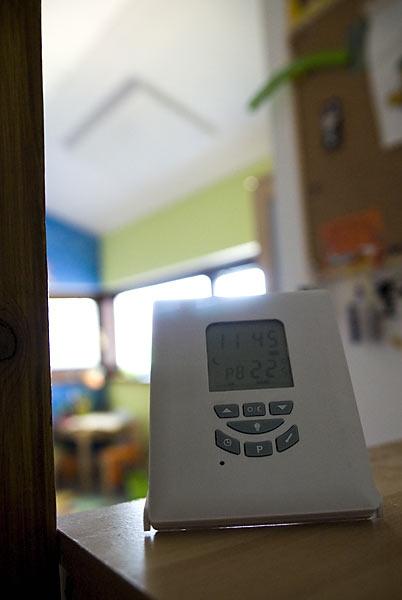 V detskej už sadroš bol hotový, tak sme použili bezdrôtový termostat - funguje bezproblémovo